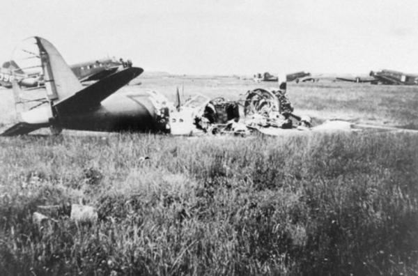 Douglas 8a-3N (391) op Ockenburg