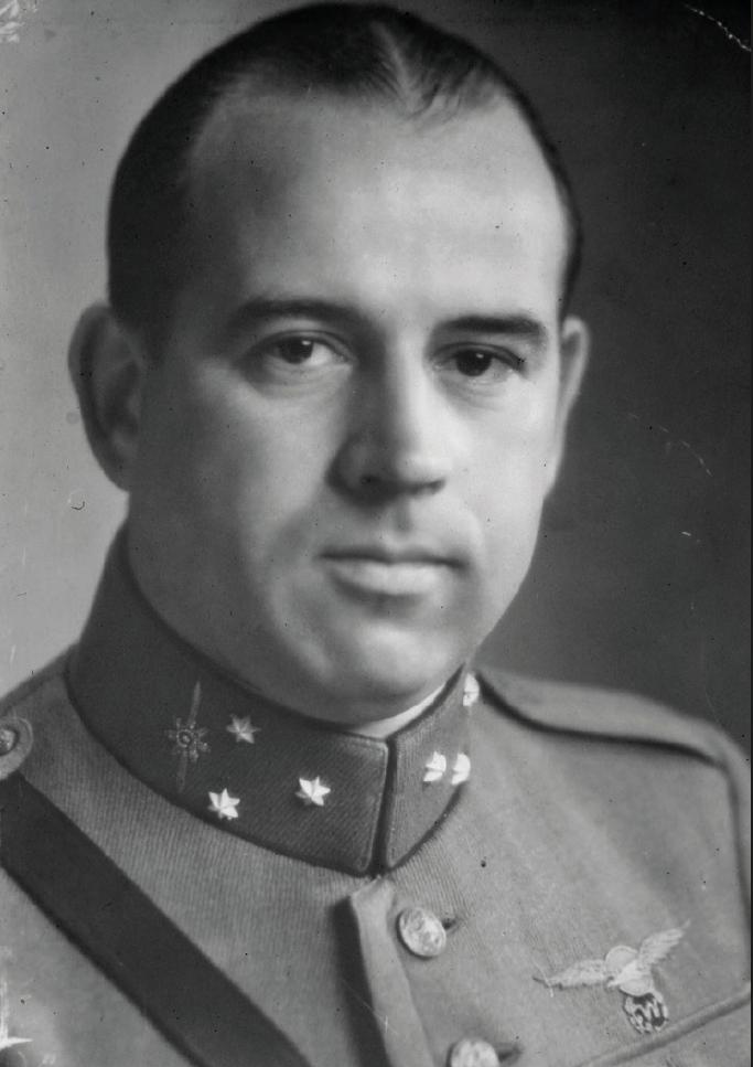 Reserve Kapitein-vlieger Jan Bach in 1939. Bron: Collectie Fam. Bach